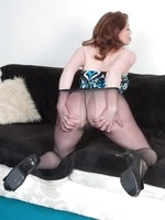 Pantyhose hooker, your's for 15 minutes!