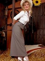 A Cowgirl in white Pantyhose