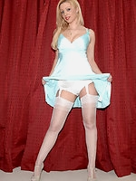 Beautiful Girls in silky, sheer Fully Fashioned Vintage Nylons