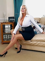 Seeing an attractive woman like Michelle in high heels is a must for every man who has a sexy fetish for ladies shoes