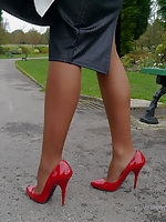 Kerry teases her beautiful silky nylon legs
