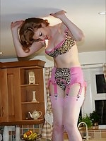 Frankii Wilde - Lingerie and nylons tease